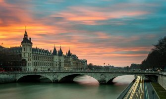 Five Ways to Beat the Summer Crowds in Paris