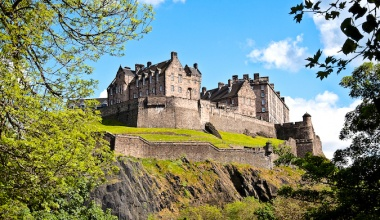 Exploring Edinburgh: A First Time Traveler's Guide