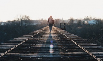 How to Overcome Being Alone When You Travel