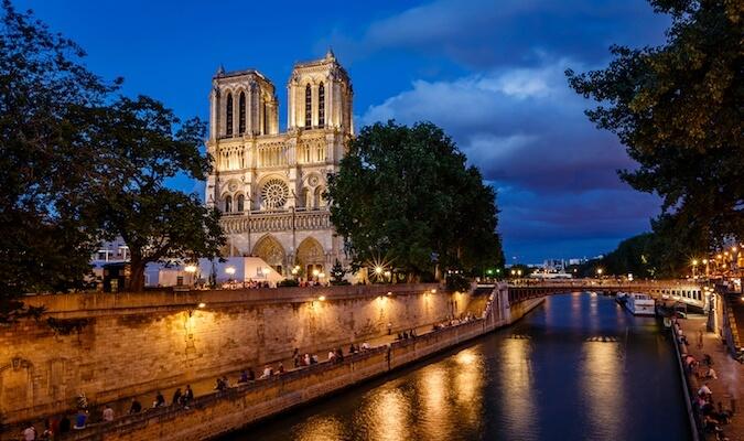 Notre Dame in Paris during dusk