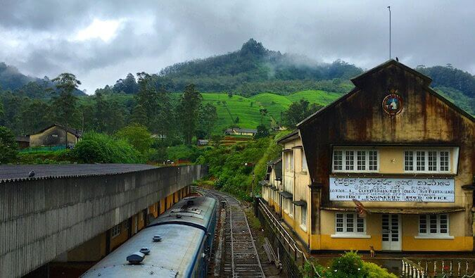 A train station in Sri Lanka that looks out at the mountains