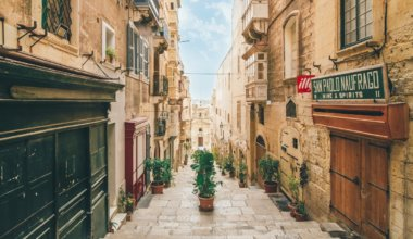 Malta: The Country of Half-Neglected Buildings