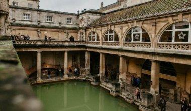The roman bath in Bath, UK