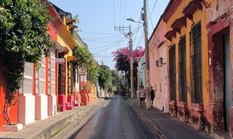 The colorful and empty streets of Cartagena, Colombia
