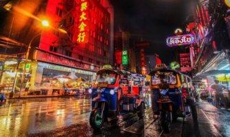 A street view of Bangkok and a tuk tuk
