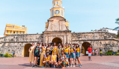 FLYTE students on a field trip in Colombia