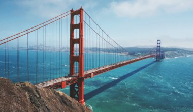 Looking out over the Golden Gate Bridge on the coast of San Francisco, USA