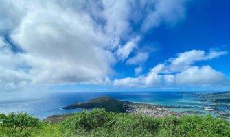 A bright blue sky over the island of Oahu, Hawaii
