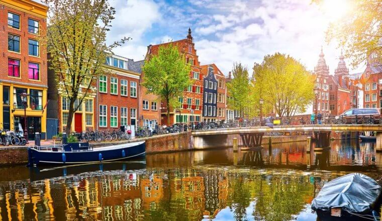 Best Neighborhoods in Amsterdam: Where to Stay During Your Visit
